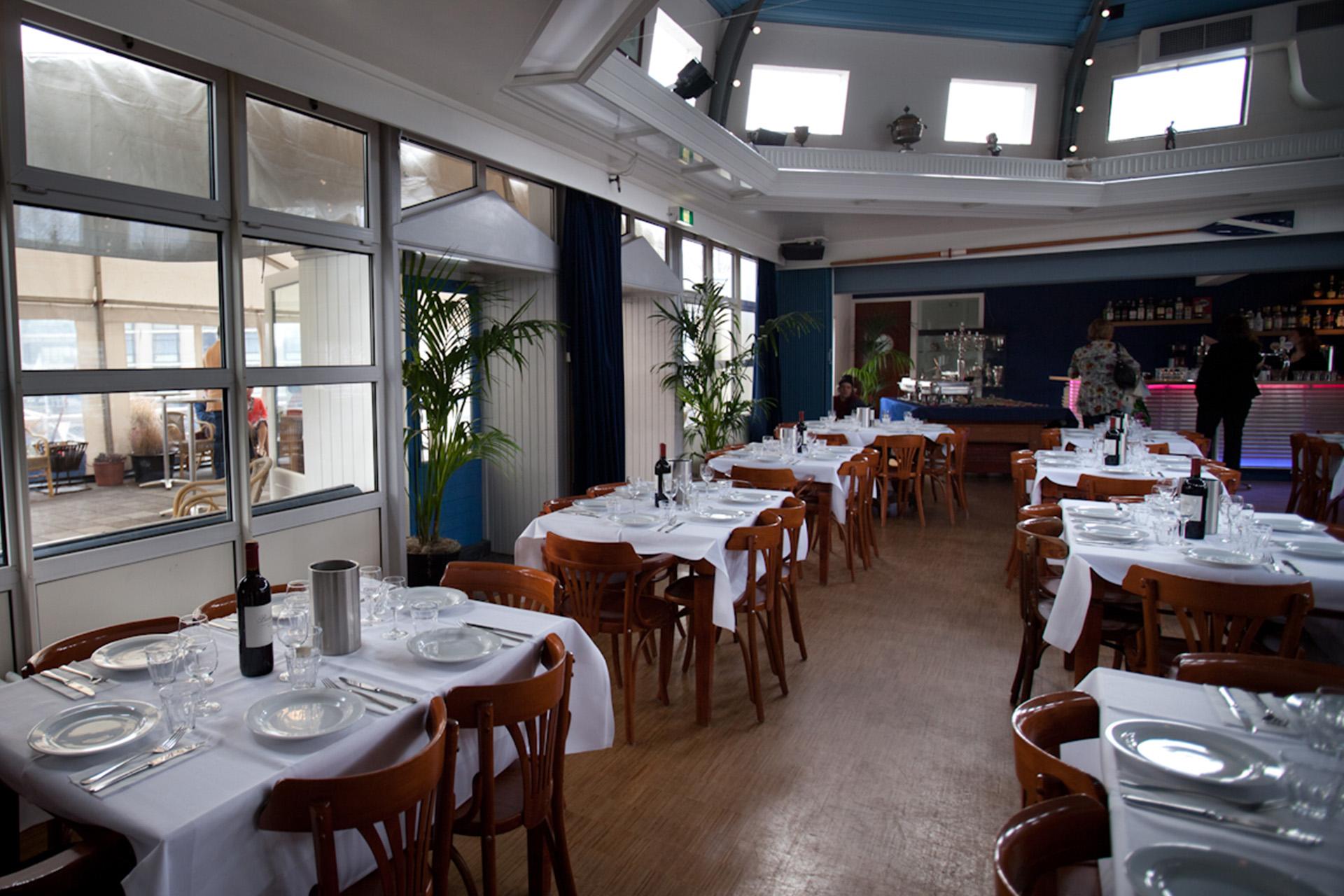 Diner opstelling feestlocatie Amstelzaal